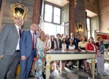 Il nuovo Sindaco di Torino M5S Chiara Appendino durante la cerimonia di insediamento presso la sala Rossa del Comune , Torino, 30 giugno 2016 ANSA/ ALESSANDRO DI MARCO