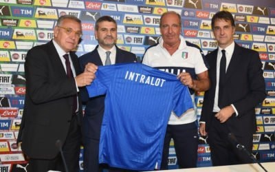 FLORENCE, ITALY - OCTOBER 04: AD Intralot Emilio Iaia, AD Gamenet Guglielmo Angelozzi , head coach Italy Giampiero Ventura and DG Michele Uva pose for a photo during a press conference to unveil the Intralot sponsorship at Coverciano on October 4, 2016 in Florence, Italy.  (Photo by Claudio Villa/Getty Images)